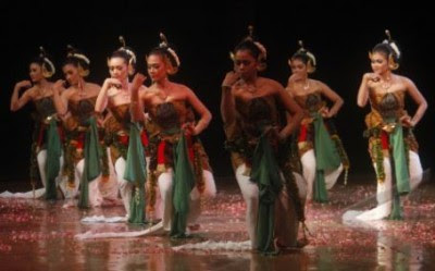 Tari Bedhaya Kaduk Manis Dari Yogyakarta