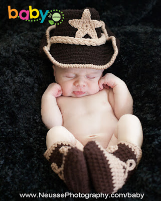 NEWBORN BABY BOY DRESSED IN COWBOY BROWN HAT AND BOOTIE WITH STAR SLEEPING BABY IN LEHIGH VALLEY POTRAIT BY NEUSSE PHOTOGRAPHY AGNES SABLOW