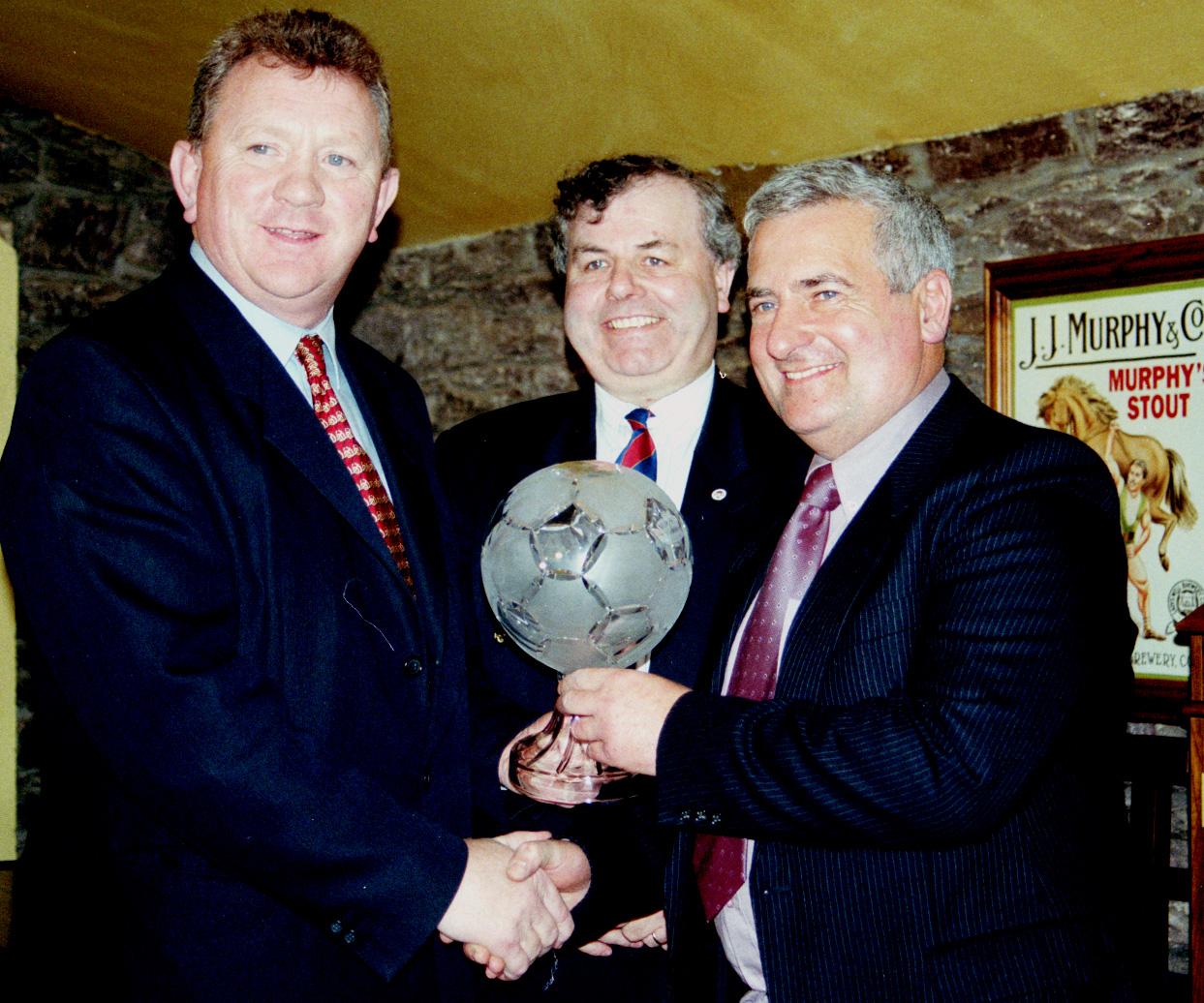 SOCCER IN CORK: Cork Hibs  19 Seasons  228 Players  1 Legend