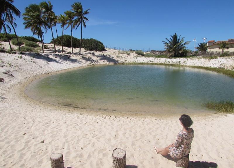 O que fazer em Canoa Quebrada: praia, lagoas, passeio de buggy, tirolesa, jangada...