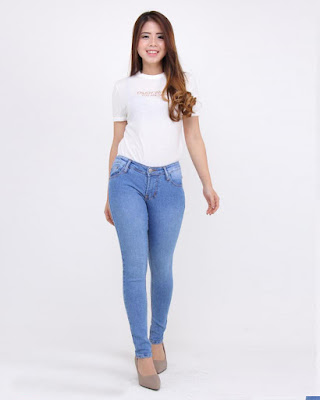 Celana jeans Klasik warna Biru Ketat dan seksi