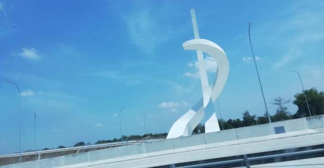 Kicauan Fadli Zon soal Tugu 'Palu Arit PKI' di Madiun