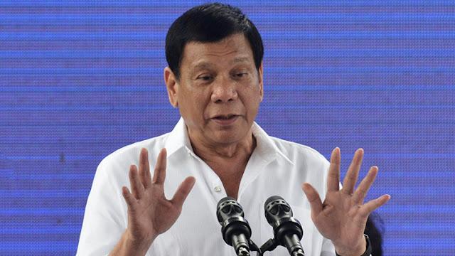 """El presidente de Filipinas confiesa sentirse """"como un santo"""" tras conversar con Trump"""