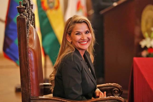 Presidenta Áñez advierte a Morales que si busca sembrar terror solo encontrará al pueblo boliviano unido