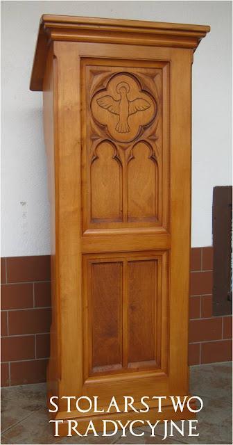 Neogotycka drewniana ambonka