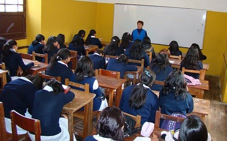 Bolivia: 2,9 millones de estudiantes están afectados por la clausura del año