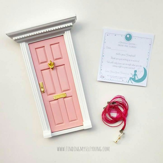 pink fairy door and fairy dust keychain