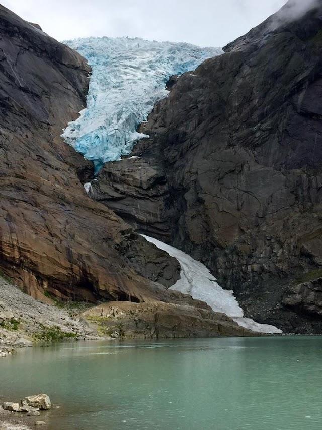 Briksdal Glacier - Dòng sông băng lớn nhất châu Âu