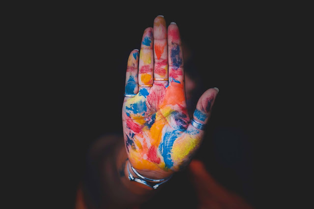 فوائد العلاج بالألوان