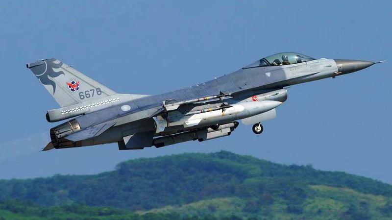 F-16 Rocaf