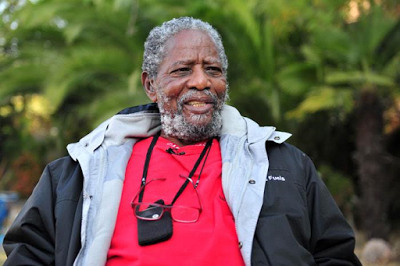 Legendary SA actor, Joe Mafela has died in car accident