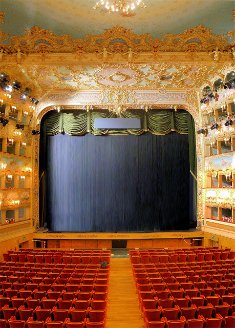 The newly restored auditorium of La Fenice Opera House. Photo: WikiMedia.org.