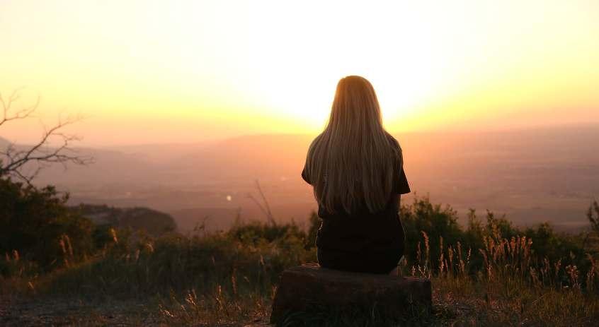 Jangan Hanya Sibuk Memantaskan Diri Karena Jodoh Tak Selalu Datang Sendiri