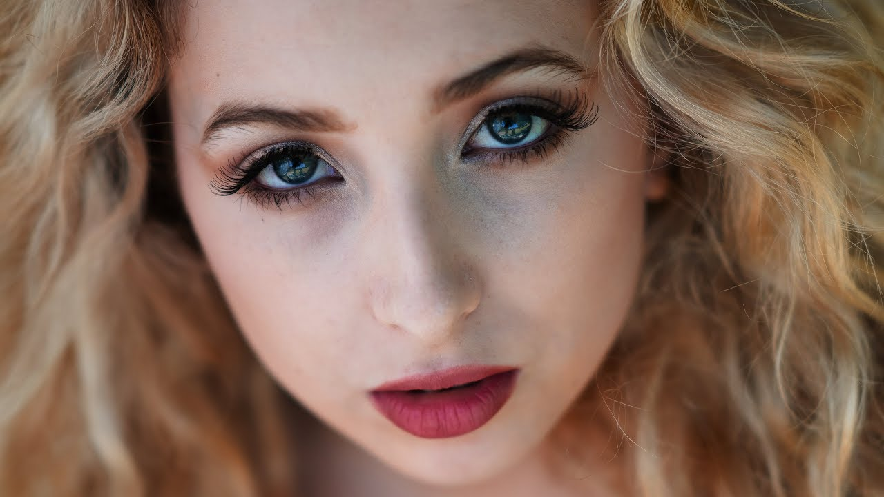 How To Get Shallow Depth of Field for Portraits