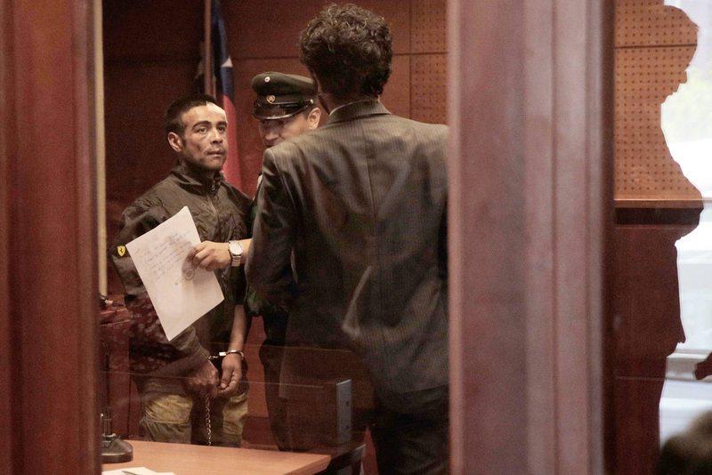 Formalizan al hombre acusado de robar una micro y atropellar a un manifestante