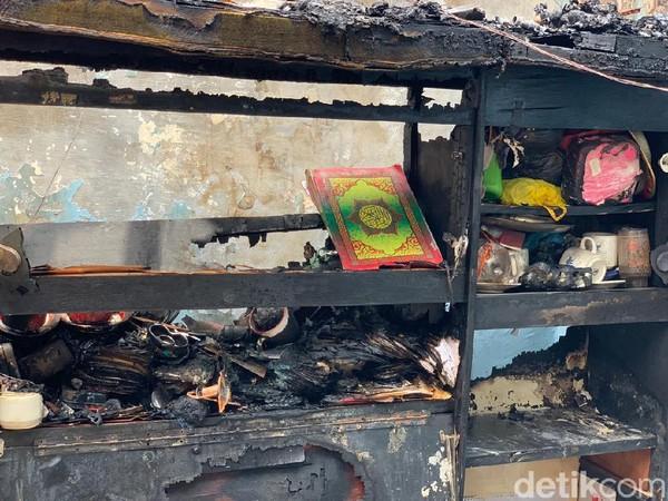 Rumah di Surabaya Ludes Terbakar, Namun Al-Qur'an Ini Utuh