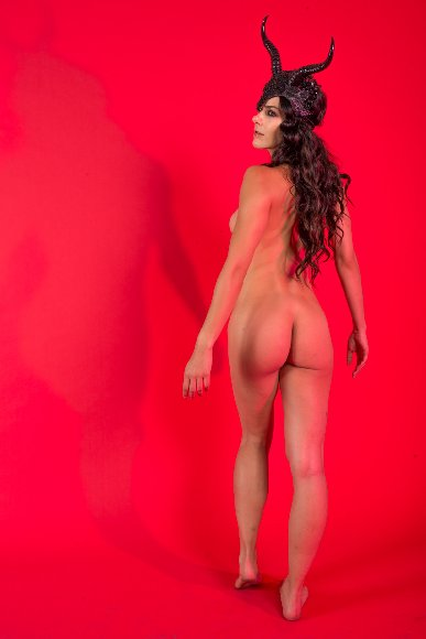 Adrienne Curry Nude Hacked Photoshoot Pictures