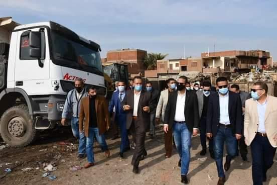 الأنصاري يضع قرية سنهور القبلية تحت ميكروسكوب المسئولين
