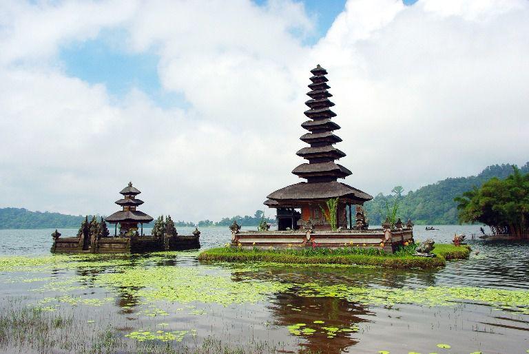 Bedugul Ulun Danu Beratan Lake - Mengwi, Candi Kuning, Bedugul, Bratan, Lake, Tanah Lot, Beraban, Kediri, Tabanan, Bali