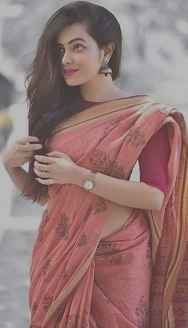 Latest Love Shayari, Hindi Love Shayari, Two Line Love Shayari, Love Sms and Love Status.