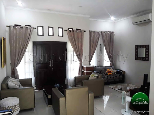 Rumah di jalan Lempongsari dekat UGM