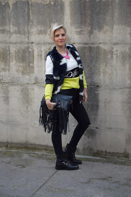 jeans neri strappati come abbinare i jeans neri strappati black ripped jeans how to wear black ripped jeans outfit novembre 2016 outfit invernali mariafelicia magno fashion blogger colorblock by felym fashion blog italiani fashion blogger italiane blogger italiane di moda web influencer italiane