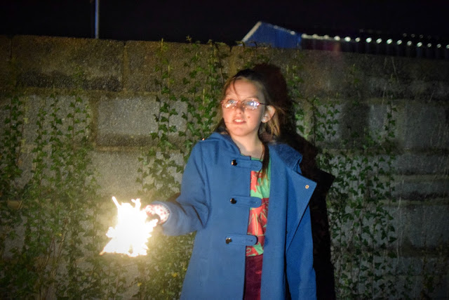 Bonfire Night, Guy Fawkes Night, Firework Display, Milford Haven Round Table, Milford Marina, Pembrokeshire, UK, sparklers, fireworks, hot chocolate,