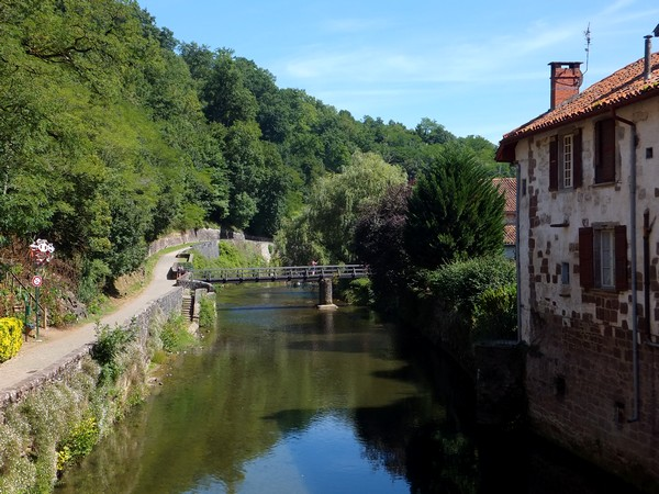 pays basque saint jean pied de port