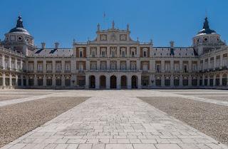 La Plaza de Oriente de madrid