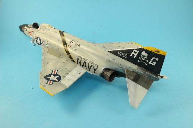 F-4B Phantom II,Eduard 1/48, la pose des décalcomanies.