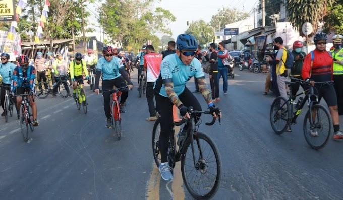 Meriahkan Hari Bhayangkara ke 74 dan Perkuat Sinergitas TNI-Polri, Kapolda Banten Gelar Gowes Bersama