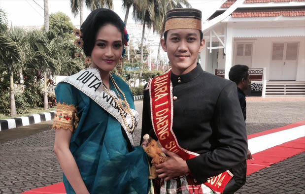 Pakaian Adat Provinsi Sulawesi Barat