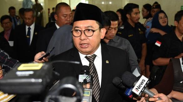 TKA China Tiba di Indonesia, Fadli Zon Bandingkan dengan AS: Trump Larang Pekerja Asing, Lebih Nasionalis Mana?