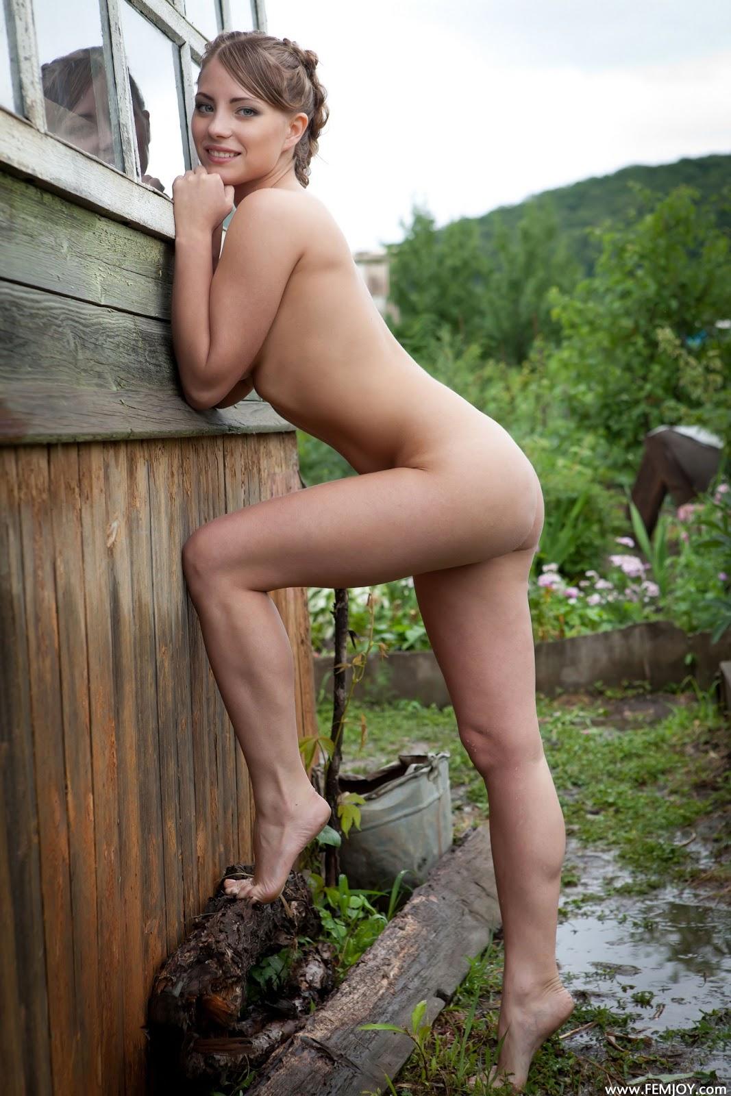 Beste nude naked jen hilton