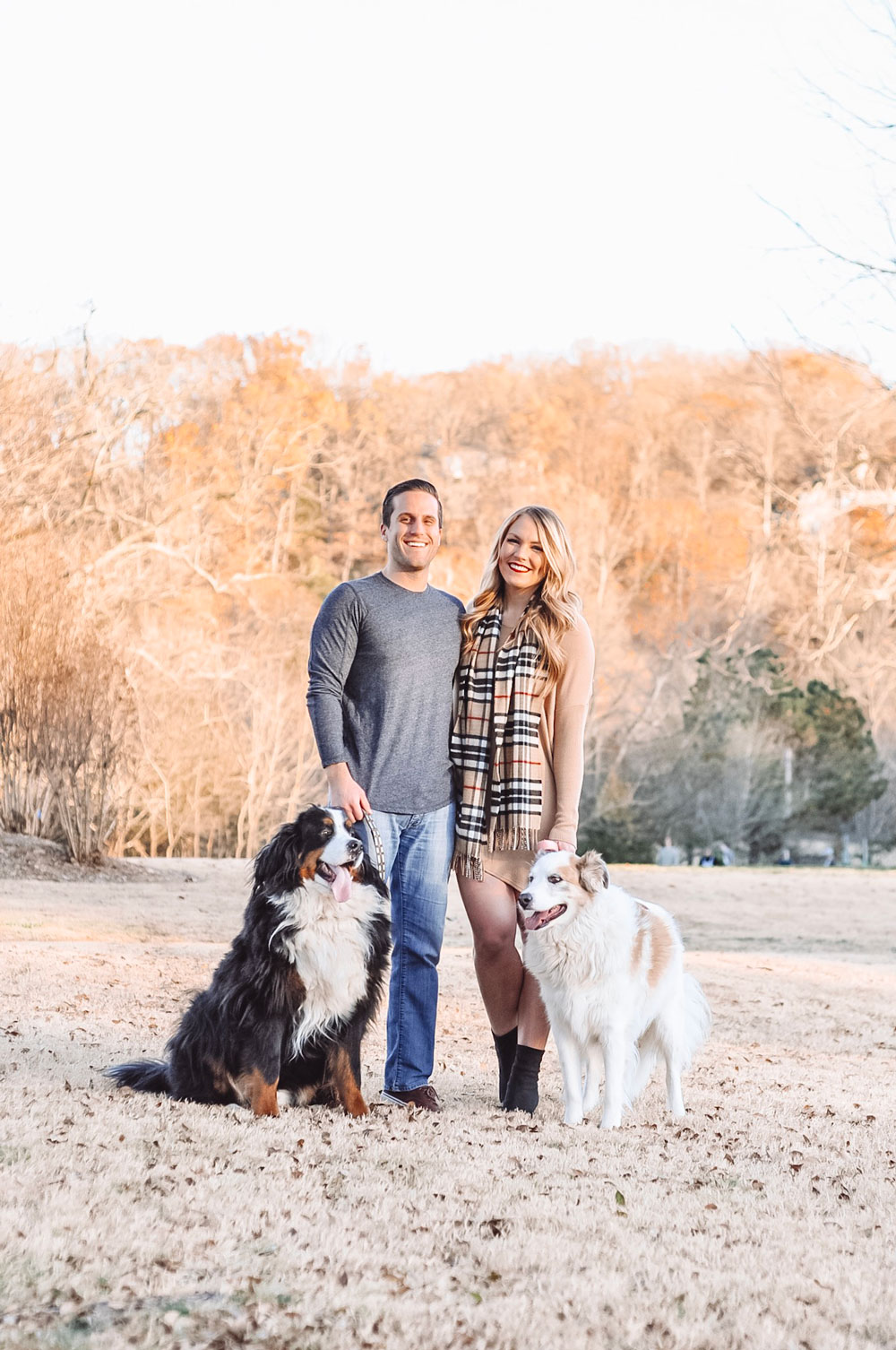 Blogger Amanda's OK shares ideas and inspiration for Christmas Card outfits