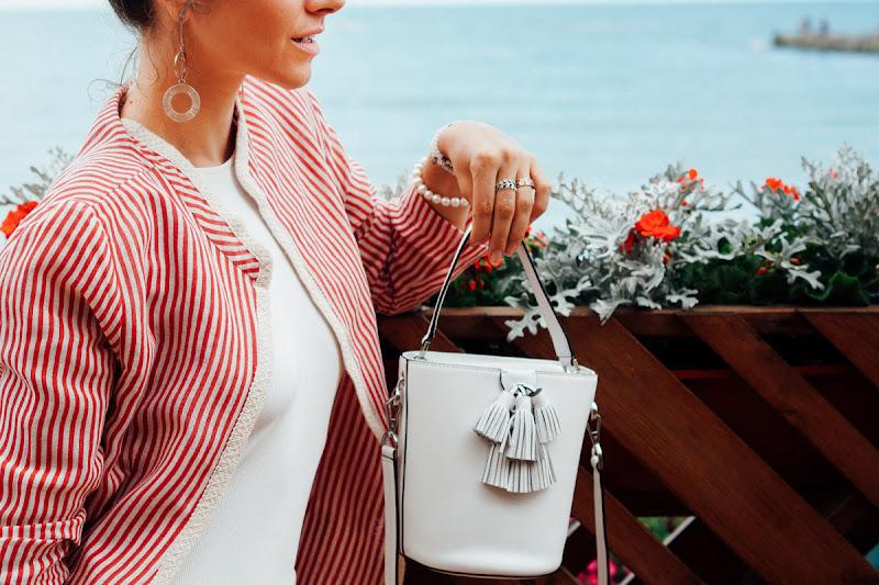 белая сумка с чем носить