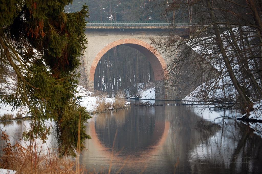 Filmowy most na rzece Wadąg