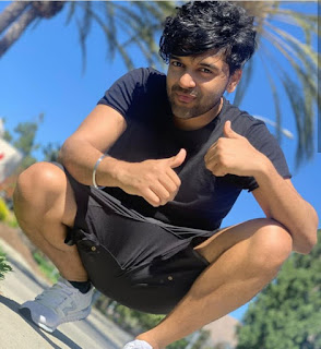 Guru randhawa photos aap yaha se download Kar sakte hai. guru randhawa images for all fans.