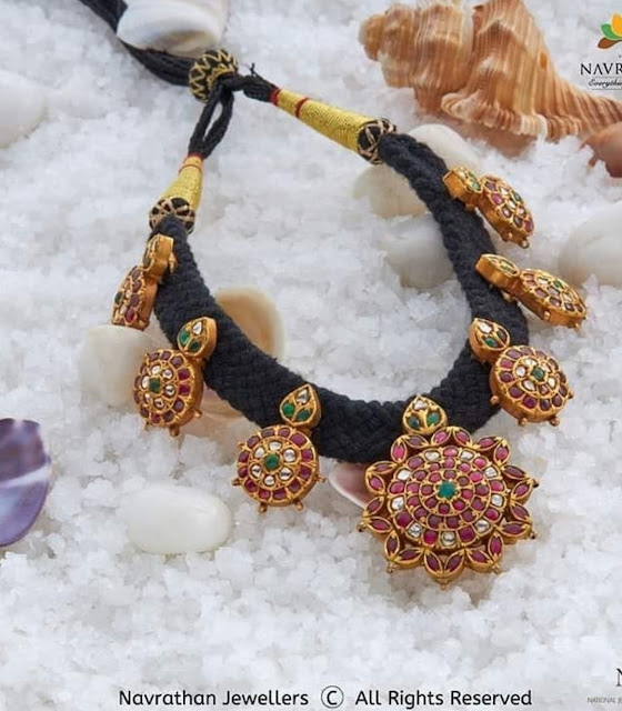 Floral Kundan Black Thread Sets