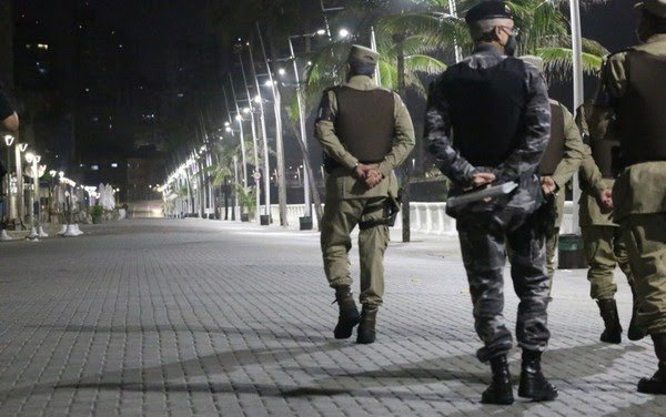 NOVO DECRETO | Toque de recolher em Salvador e outras cidades será às 21h; 19 municípios podem retomar aulas semipresenciais