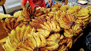two variety of banana bankerohan market
