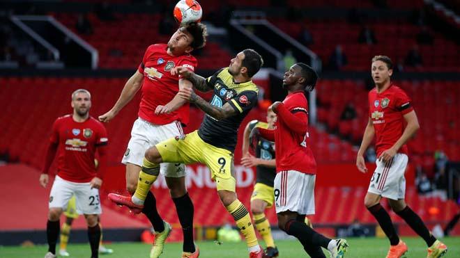 """MU bất bại 19 trận: Nguy cơ chuỗi trận vô nghĩa, """"đánh bạc"""" với Leicester"""