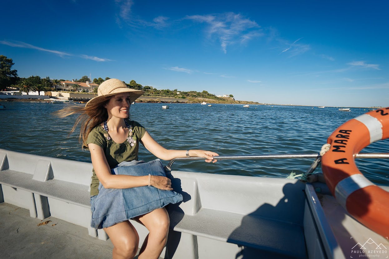 No barco a caminho da Praia da Fábrica