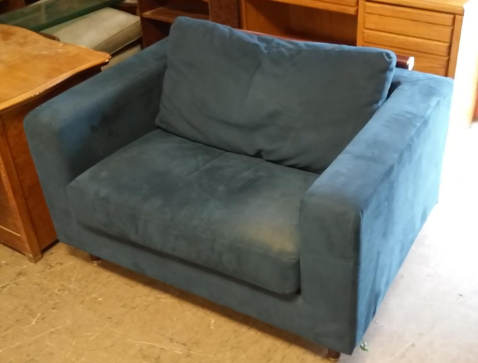 uhuru furniture collectibles sold midnight blue chair and a half sofabed 140. Black Bedroom Furniture Sets. Home Design Ideas