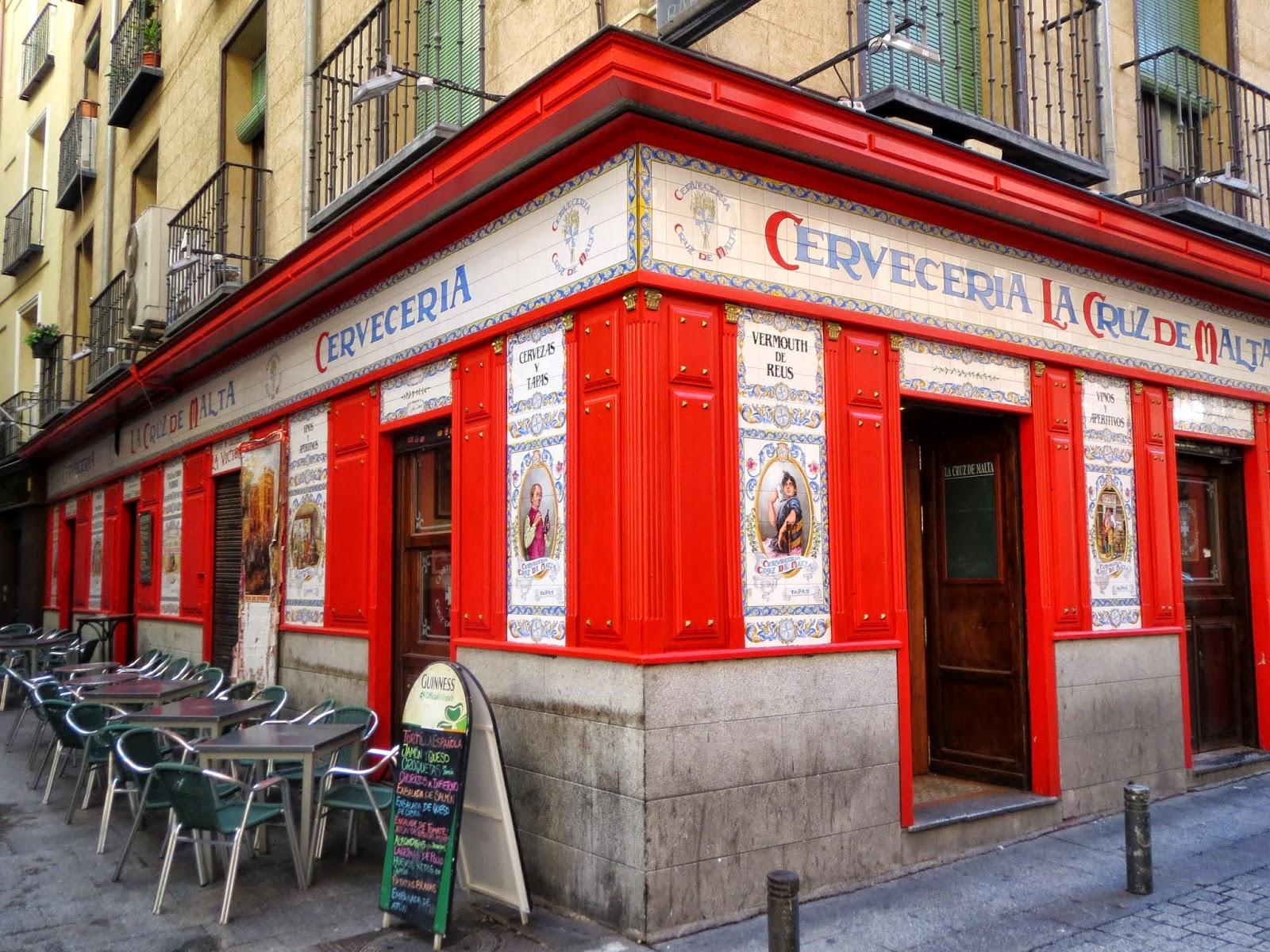 Victoria, 3 esquina a la calle del Pozo, azulejos Maroto Espantaleón