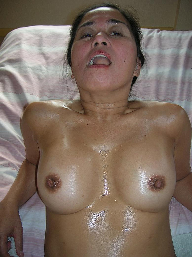 Middle aged big tits