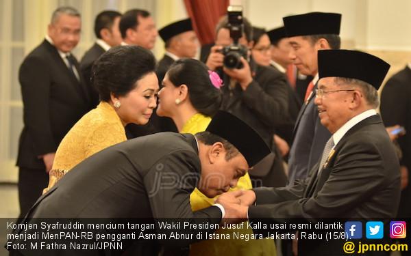 Jadi Menteri, Syafruddin Cium Tangan Pak JK dan Bu Mega