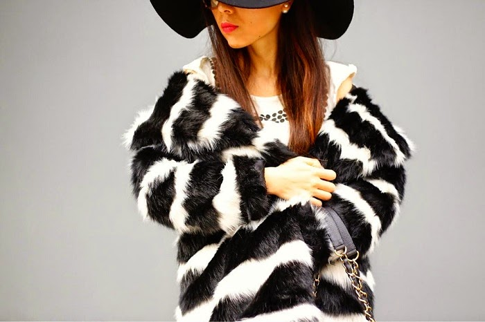 asos faux fur coat in mono stripe, winter fashion, trend, striped faux fur coat, winter whites, zara jeans, baublebar 360 pearl studs, baublebar pearl ring, nastygal floppy wool hat, swarovski amazing sunglasses, chanel bag, vans slip on, fashion blog, fashion blogger, new york city, shall we sasa, street style