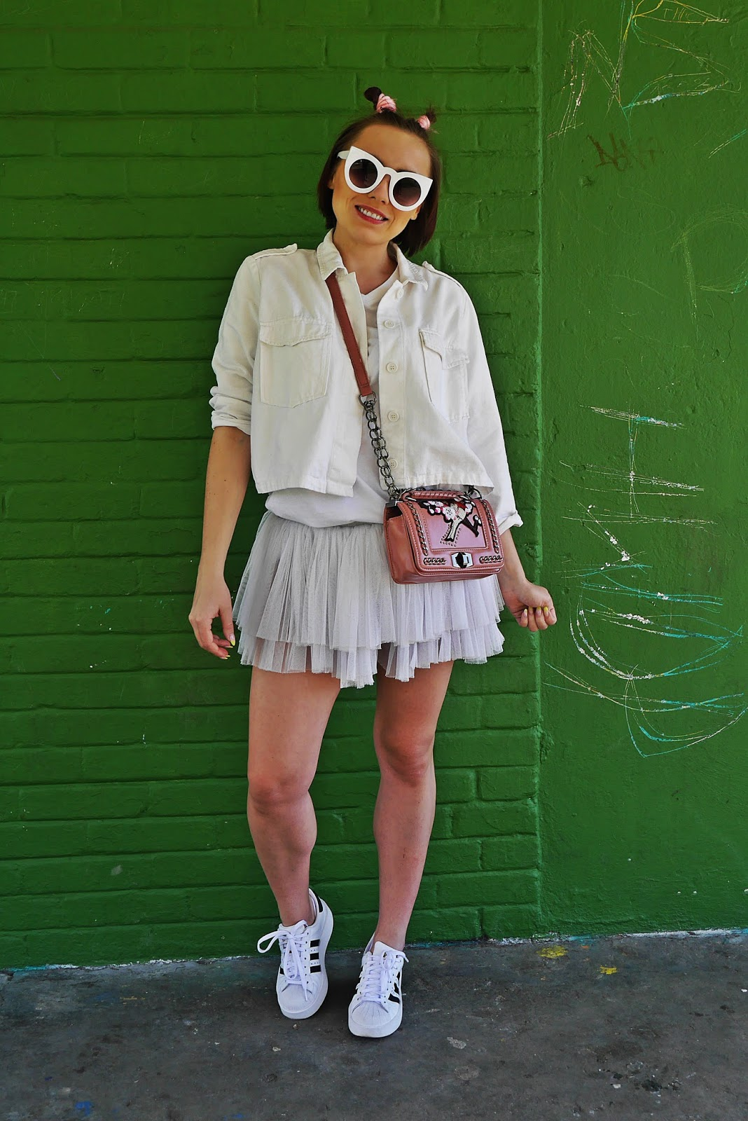 6-biala_kurtka_adidas_superstar_white_total_look_karyn_blog_modowy_160418