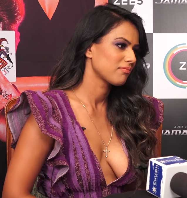 Nia Sharma Hot and Sexy deep Cleavage, Nia Sharma Hot boobs